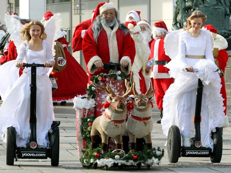 Christmas angels and a Santa Claus ride