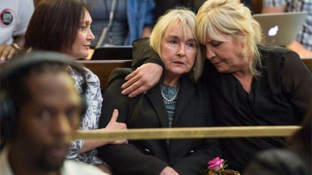 Steenkamp's mother in court